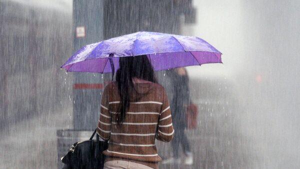 Дождь в Москве - Sputnik Узбекистан