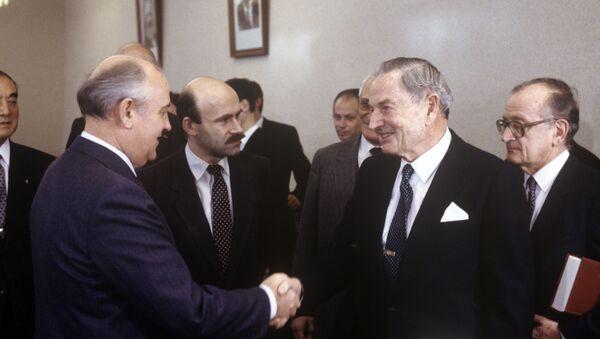 Михаил Горбачев и Дэвид Рокфеллер - Sputnik Узбекистан