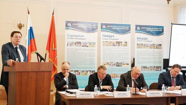 Москва поделилась с Санкт-Петербургом опытом реализации миграционных проектов - Sputnik Узбекистан