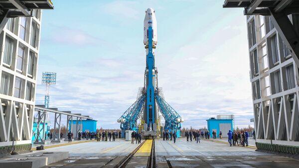 Восточный космодромида Союз-2.1а ракетаси учишга тайёрланмоқда - Sputnik Ўзбекистон