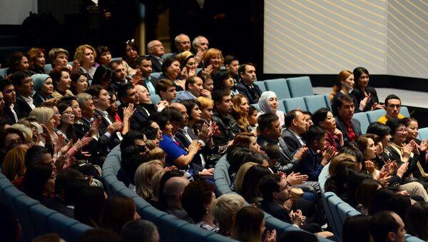 Zriteli na vыstuplenii Simfonicheskogo orkestra Mariinskogo teatra v Tashkente - Sputnik Oʻzbekiston