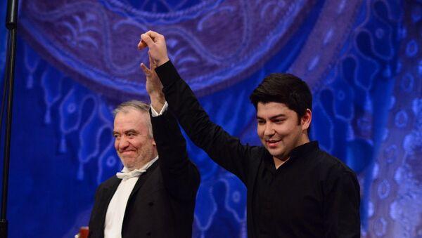 Dirijer Valeriy Gergiyev i pianist Bexzod Abduraimov - Sputnik Oʻzbekiston