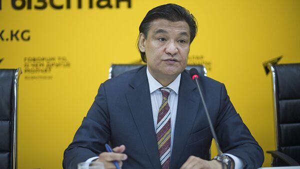 Председатель комитета по промышленной политике ТПП КР Кубат Рахимов - Sputnik Ўзбекистон