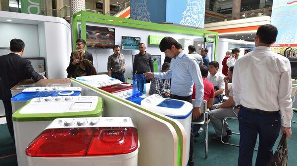 Выставка ярмарка продукции промышленных товаров Республики Узбекистан 2017 - Sputnik Ўзбекистон