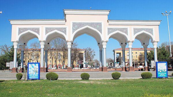 Вход в парк имени Алишера Навои в Ташкенте - Sputnik Узбекистан