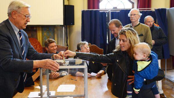 Первый тур президентских выборов во Франции - Sputnik Ўзбекистон