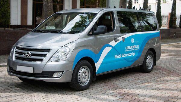 Mashina mobilnoy laboratorii operatora svyazi Uzmobile - Sputnik Oʻzbekiston