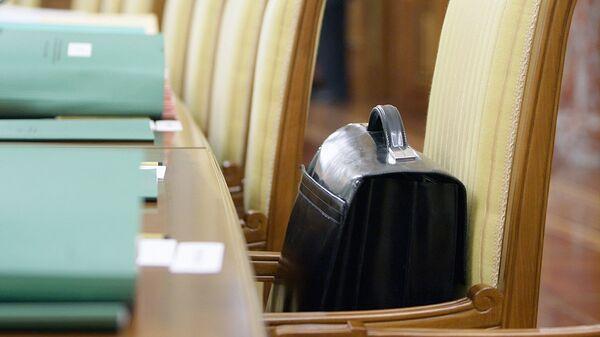 Портфель с документами  - Sputnik Ўзбекистон