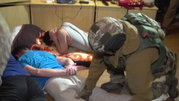 Кадры задержания 12 членов террористической группировки в Калининграде - Sputnik Ўзбекистон