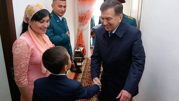 Shavkat Mirziyoyevning Jizzaxga safari - Sputnik Oʻzbekiston