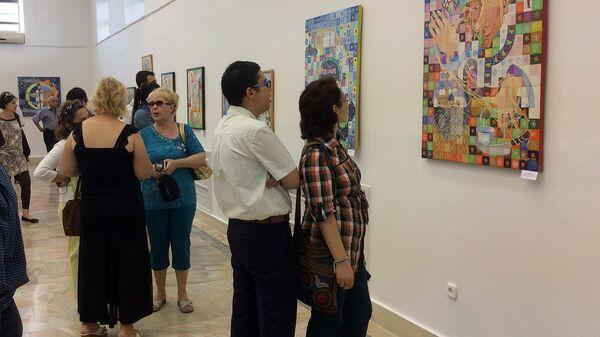 Выставка  династии художников Семья Ли - Sputnik Узбекистан