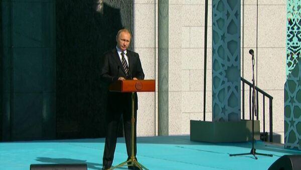 Rossiyaga muvofiq dedi Putin yangi Moskva jome' masjidi haqida - Sputnik Oʻzbekiston