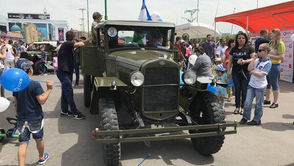 Выставка ретро автомобилей в Ташкенте - Sputnik Ўзбекистон