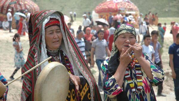 Фольклорные ансамбли представляли все области страны на фестивале Бойсун бахори - Sputnik Ўзбекистон