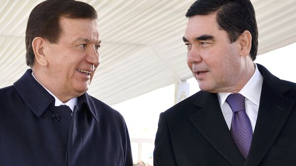 Prezident Turkmenistana Gurbangulы Berdыmuxamedov i prezident Uzbekistana  Shavkat Mirziyoyev - Sputnik Oʻzbekiston