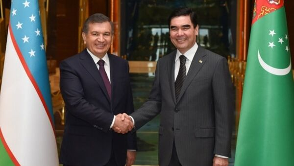 Shavkat Mirziyoyev i Gurbangulы Berdыmuxamedov v Turkmenistane - Sputnik Oʻzbekiston