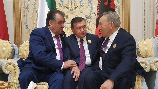 Shavkat Mirziyoyev, Emomali Raxmon i Nursultan Nazarbayev na sammite v Er-Riyade - Sputnik Oʻzbekiston