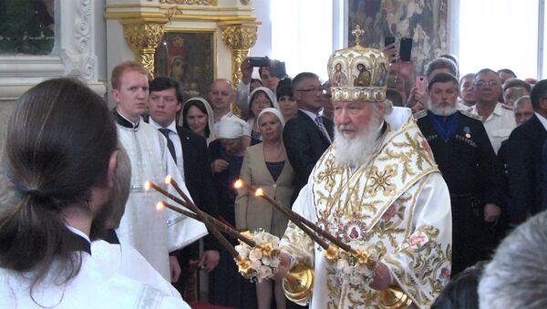 Глава Русской православной церкви освятил храм в Бишкеке - Sputnik Узбекистан