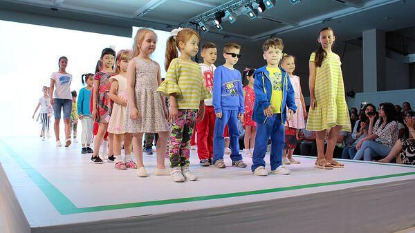 Bolajonlar-shirintoylar moda festivali - Sputnik Oʻzbekiston
