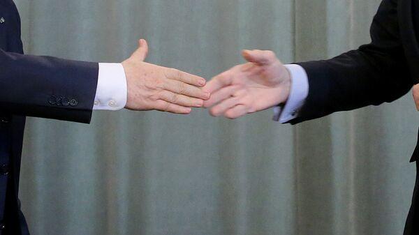 Рукопожатие - Sputnik Узбекистан