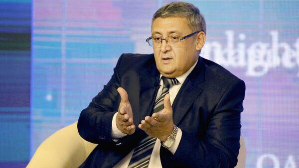 Первый заместитель министра высшего и среднего специального образования республики Иномжон Мажидов - Sputnik Ўзбекистон