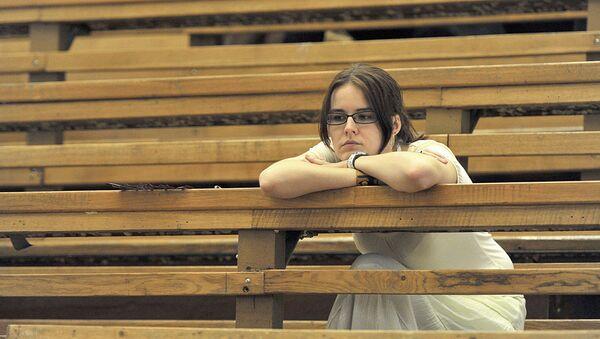 Студентка в аудитории Вуза - Sputnik Ўзбекистон