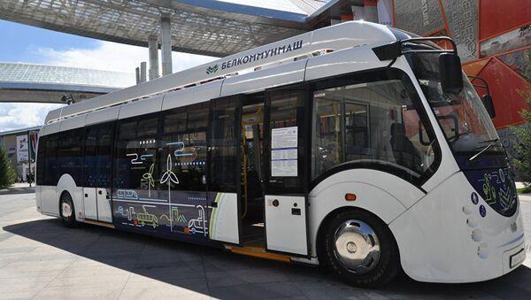 Avtobus buduщego predstavila Belarus na EKSPO - Sputnik Oʻzbekiston