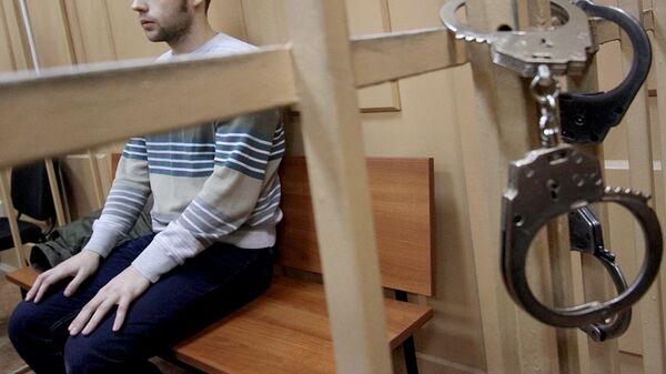 Задержанный на заседании суда - Sputnik Узбекистан