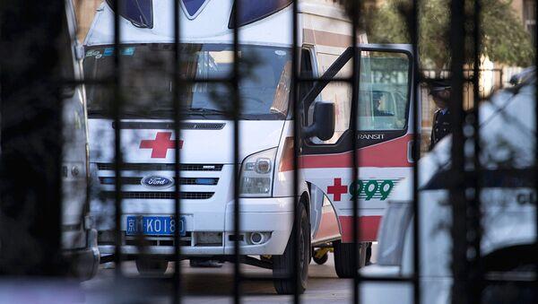 Машина скорой помощи в Китае - Sputnik Ўзбекистон