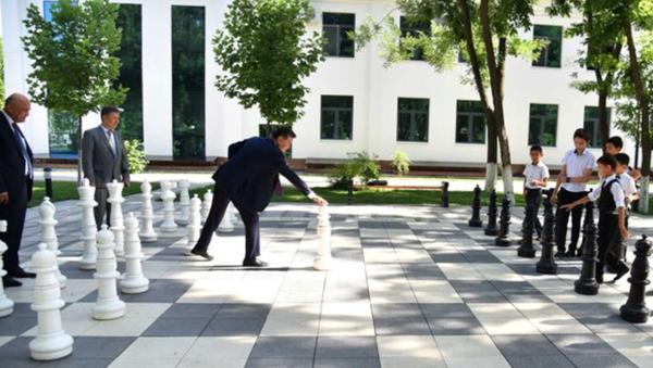 Prezident FIDE Kirsan Ilyumjinov naxoditsya s vizitom v Uzbekistane - Sputnik Oʻzbekiston