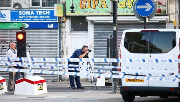 Полиция фожиа юз берган жойда иш олиб бормоқда, Лондон, 19 июн 2017 йил - Sputnik Ўзбекистон