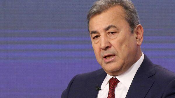 Первый заместитель председателя Сената Олий Мажлиса Садык Сафаев - Sputnik Узбекистан