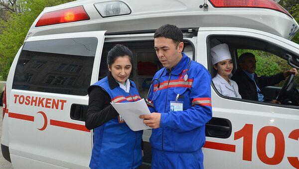 Сотрудники скорой медицинской помощи - Sputnik Узбекистан
