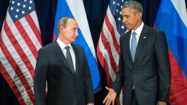 Rossiya prezidenti Vladimir Putin (chapda) va AЫSH prezidenti Barak Obama - Sputnik Oʻzbekiston