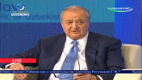 Абдулазиз Камилов во время прямого диалога с народом - Sputnik Узбекистан