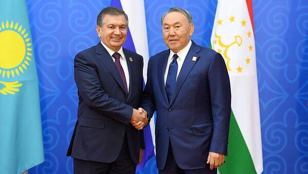 Президент Узбекистана Шавкат Мирзиеев и президент Казахстана Нурсултан Назарбаев - Sputnik Узбекистан