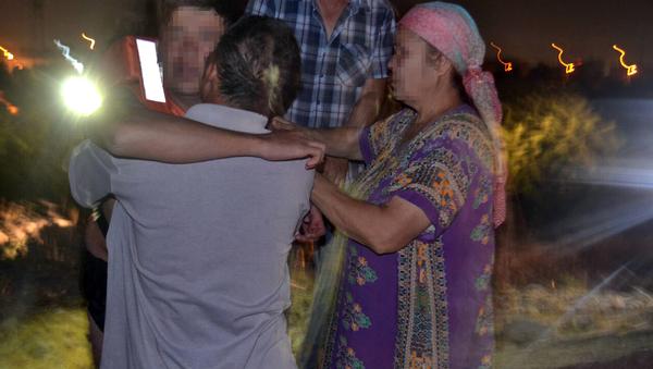 Спасатели вызволили молодого человека с островка на Чирчике - Sputnik Узбекистан