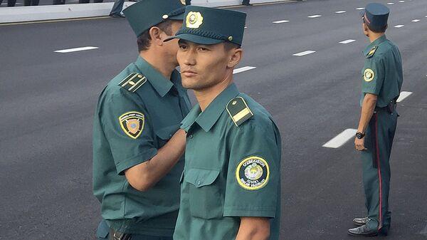 Узбекские милиционеры - Sputnik Ўзбекистон