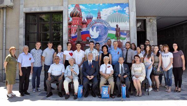 В Российском центре науки и культуры в Ташкенте прошел вечер памяти, посвященный 75-летию Сталинградской битвы - Sputnik Узбекистан