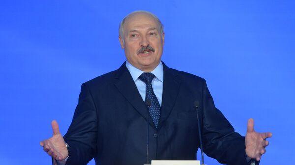 Aleksandr Lukashenko na otkrыtii Slavyanskogo bazara v Vitebske - Sputnik Oʻzbekiston