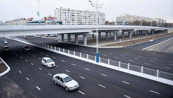Автомобильный мост в Ташкенте - Sputnik Ўзбекистон