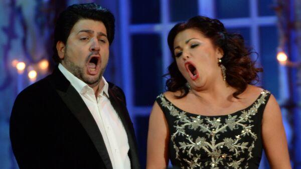 Звезды мировой оперной сцены, супруги Анна Нетребко и Юсиф Эйвазов - Sputnik Узбекистан