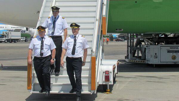 В Ташкенте приземлился Boeing, совершивший первый прямой рейс из США - Sputnik Узбекистан