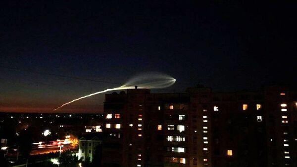 В небе Узбекистана увидели светящийся объект - Sputnik Ўзбекистон