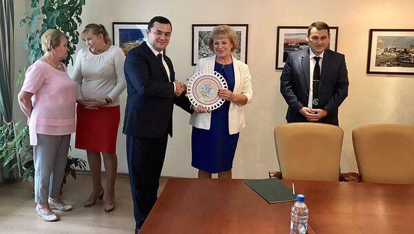 Делегация агентства миграции Узбекистана совершила визит в Новосибирск - Sputnik Ўзбекистон