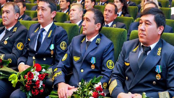 Президент наградил работников сферы железнодорожного транспорта - Sputnik Ўзбекистон