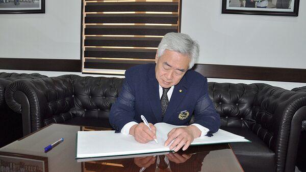 Prezident Vsemirnoy Federatsii Taxekvondo Cho Chung Von vo vremya vizita v Tashkent - Sputnik Oʻzbekiston