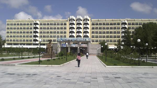 Главное здание ТГТУ - Sputnik Узбекистан