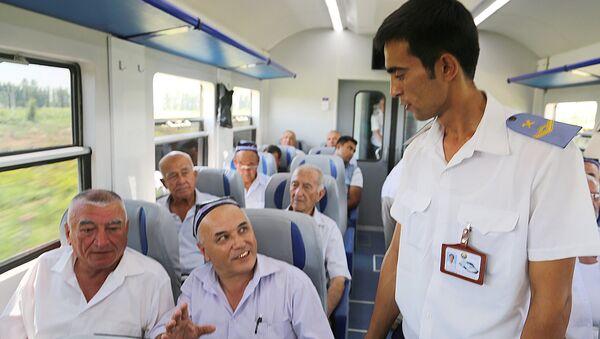 Проводник в электричке - Sputnik Узбекистан