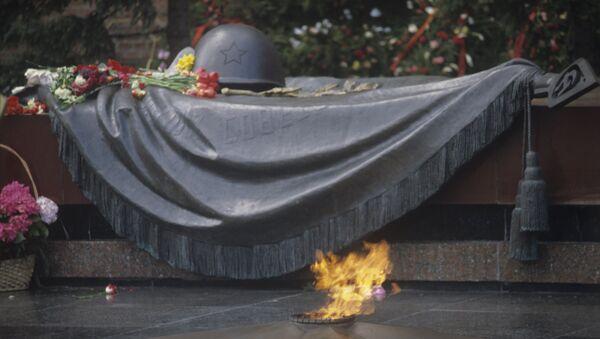 Мемориальный архитектурный ансамбль Могила Неизвестного Солдата - Sputnik Узбекистан